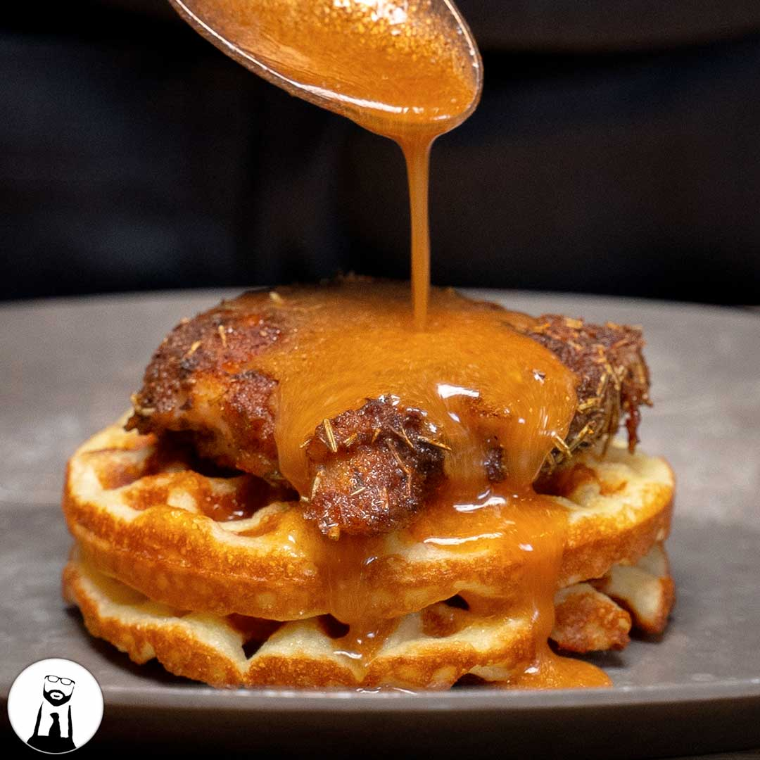 Read more about the article Mardi Gras Chicken 'n Chaffles (Keto & Low-Carb)